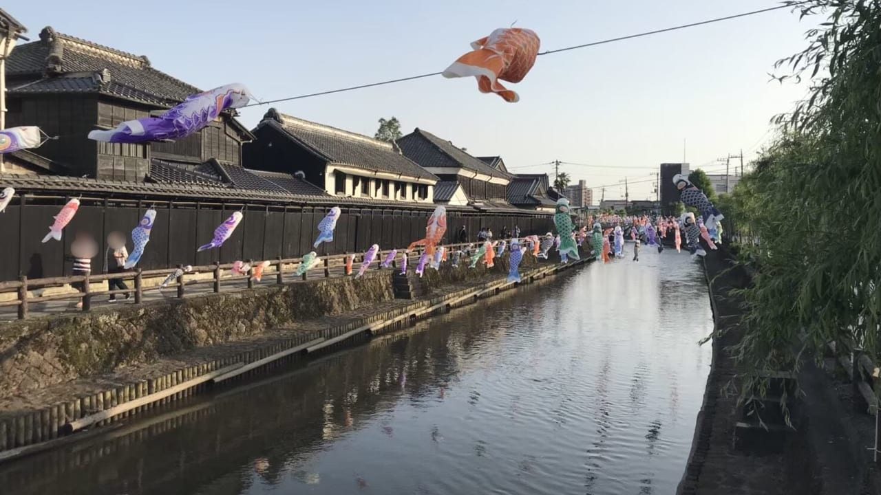 栃木市うずまの鯉のぼりの様子